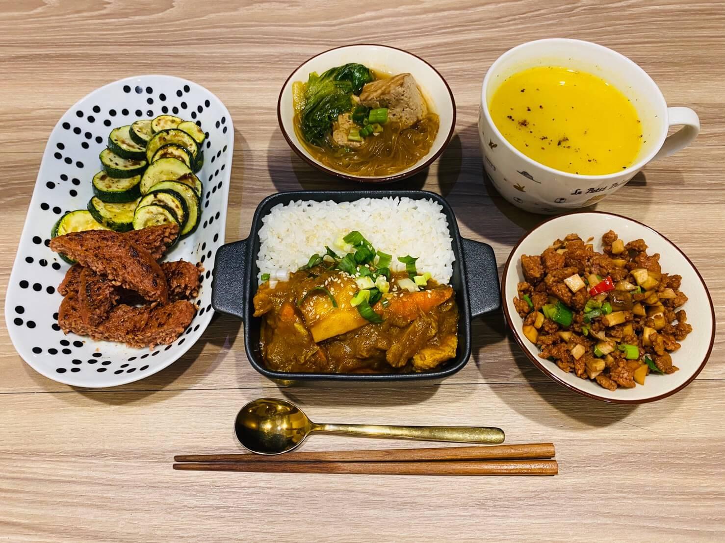 【開箱】蔬味平生 懶人救星/全素即食料理—未來肉蔬福漢堡排、咖哩醬即煮醬、南瓜湯